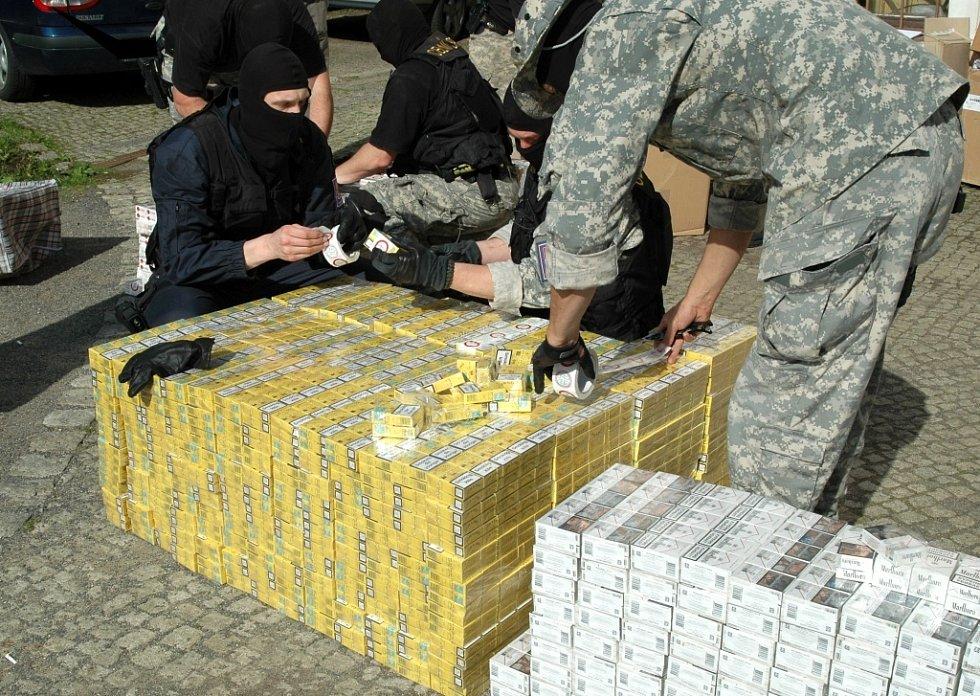 Celníci zabavili 300 tisíc cigaret