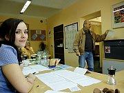 Na chebském sídlišti Zlatý vrch se volí například v místní základní škole.