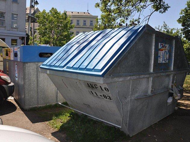 KONEČNĚ. Velkoobjemové kontejnery využijí lidé na  odpad, který zpravidla končí u poplenic nebo na skládkách