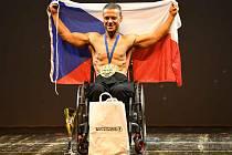 Titul mistra Evropy vybojoval v italské Florencii naturální kulturista Petr Lindák, který uspěl v kategorii tělesně postižených.