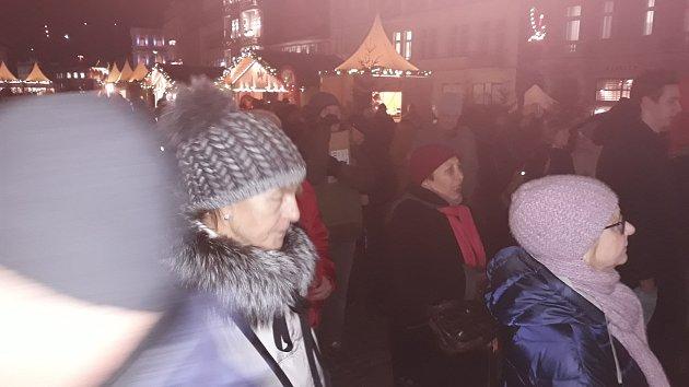 Zpívání koled na Mlýnské kolonádě v Karlových Varech