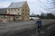 Nové místo pro karlovarskou burzu v bývalém areálu technických služeb.