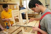 Své dovednosti ukážou nejenom truhláři, strojní mechanici, ale také elektrikáři a instalatéři.