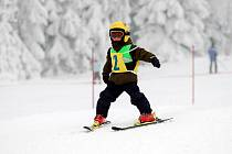 Kids Cup 2010. Na premiérovém Kids Cupu řádily lyžařské naděje. Obří slalom zvládli v miniareálu na Klínovci i ti nejmenší.