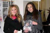 Studentky sokolovského gymnázia
