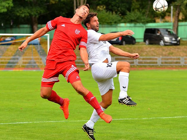 František Nedbalý (v bílém), FC Viktoria Mariánské Lázně