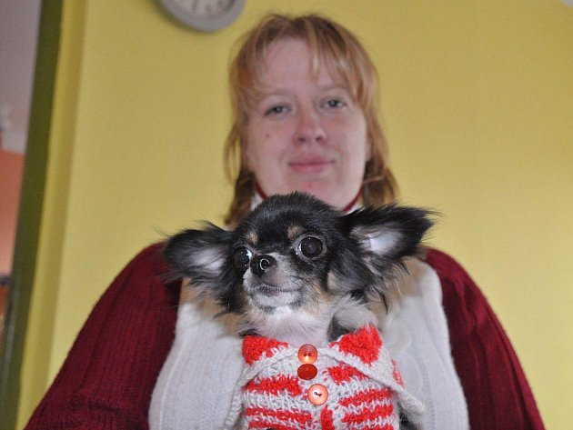 MAJITELKA SINDY MONIKA KNIRSCHOVÁ z Karlových Varů se rozhodla bojovat proti zvýšení poplatků ze psů. Sepsala i petici, kterou už podepsalo přibližně 60 lidí.