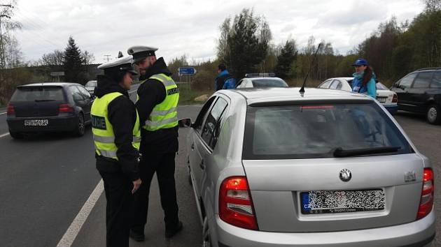 Mimořádná policejní dopravní preventivní akce na silnicích v Karlovarském kraji.