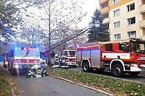 Zásah hasičů v Charkovské ulici.