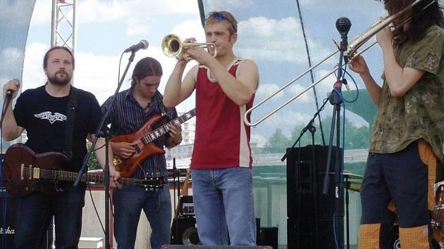 Karlovarská kapela Jazzbooster.