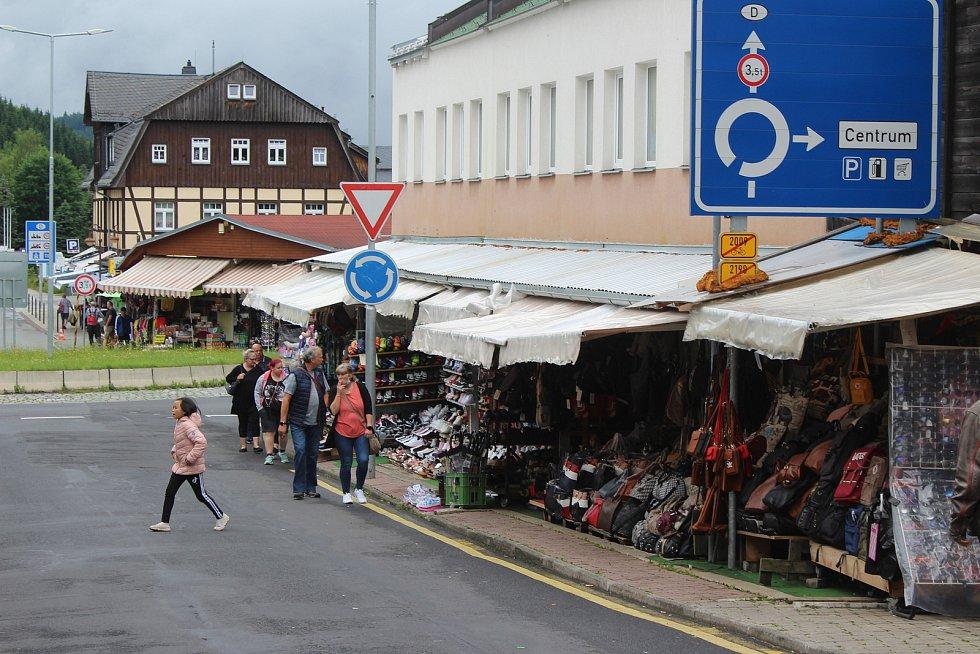 Do ulic Potůček se po dlouhých měsících vrátili Němci.