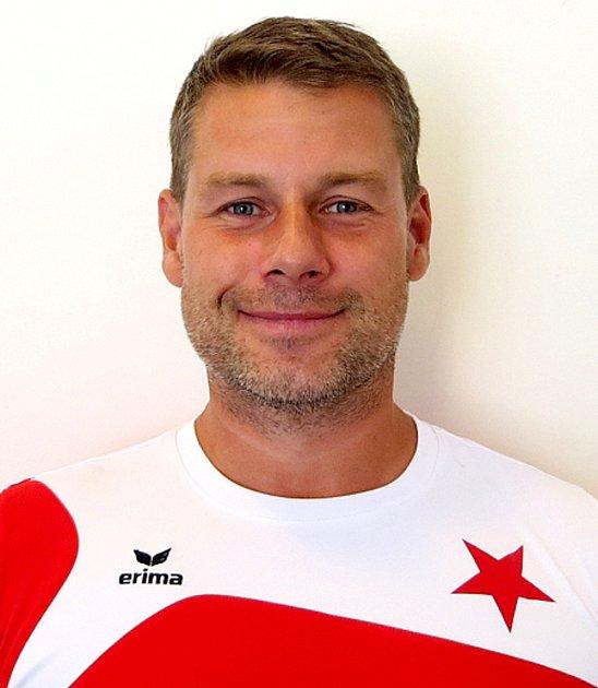Trenér FC Slavia Karlovy Vary U13 Dino Čolič.