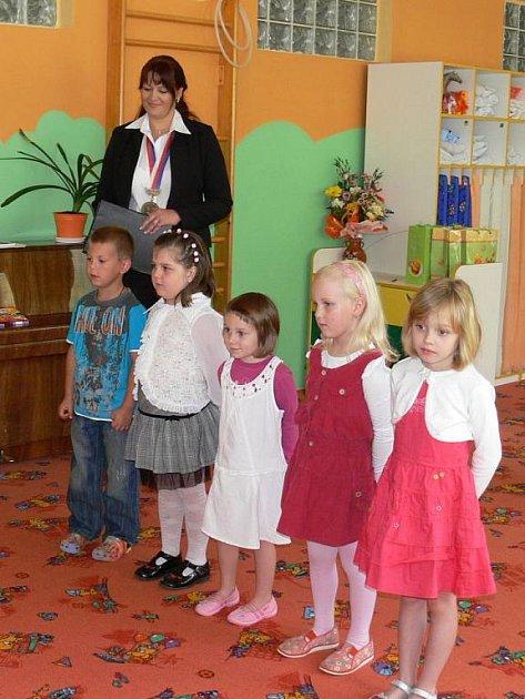 Nová tradice. První historické vítání občánků se konalo ve Velichově už před dvěma roky a za tu dobu se stalo tradicí.