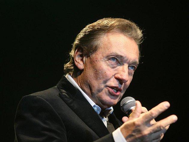 Karel Gott se na koncert v Karlových Varech, který se bdue konat 18. listopadu, těší.
