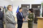 Slavnostní otevření nové rekrutační armádní kanceláře v Karlových Varech.