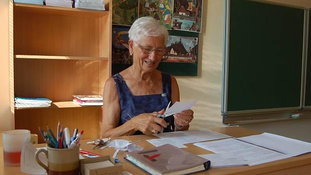 Ještě v pátek se dalovická učitelka pilně připravovala na nový školní rok.