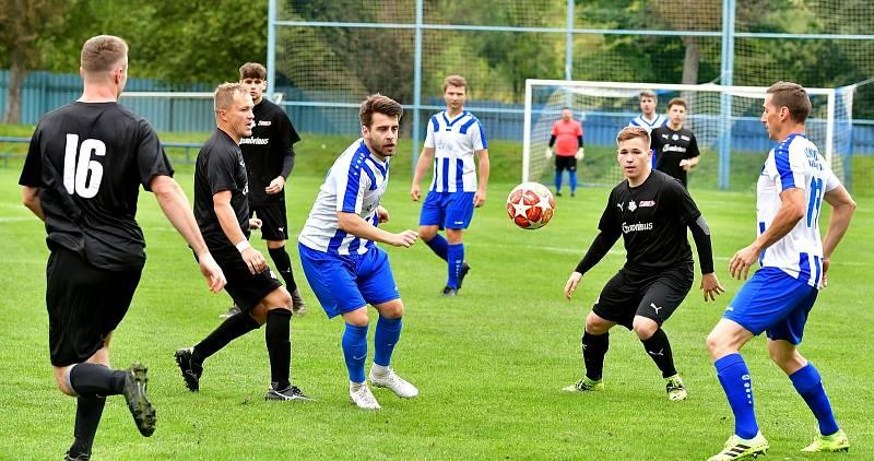 Karlovarská Lokomotiva dosáhla na první domácí výhru, když si vyšlápla na Nejdek, který porazila 4:2.