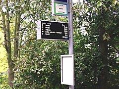 Jedna z první chytrých zastávek městské hromadné dopravy, které postupně vzniknou v Karlových Varech.