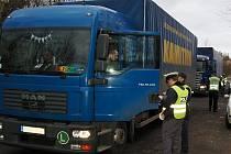 Policisté od svých pravidelných dopravně – bezpečnostních kontrol neupustili ani po přijetí bodového systému.