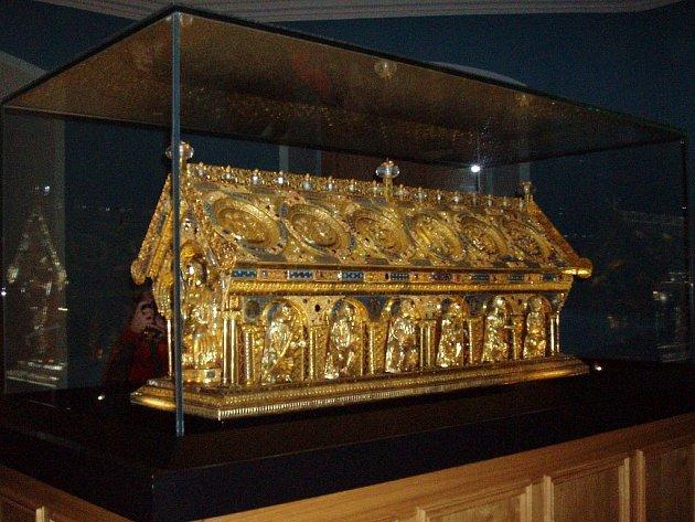 VZÁCNÁ PAMÁTKA. Relikviář svatého Maura je jedním z nejvzácnějších českých klenotů. Jeho ochrana je na místě.
