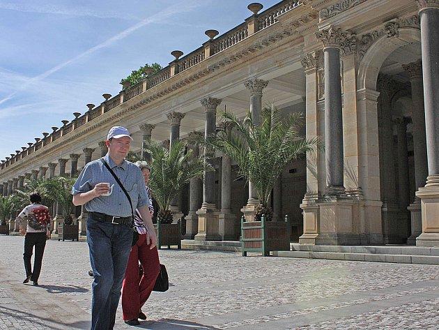 Z tuzemských lázní, a Karlovy Vary nejsou výjimkou, mizí čeští pojištěnci.