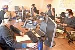 Několik stovek rezervací na testování vytvoří každý den operátoři call centra
