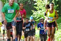 T-Mobile Olympijský běh přilákal na start v Karlových Varech dvě stě běžců a šedesát běžeckých nadějí.