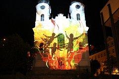Festival světla VaryZáří, letos na počet 100. výročí vzniku státu.