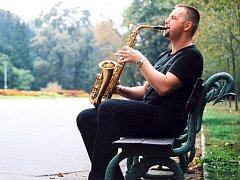 Josef Pepson Snětivý je rovněž hudebník.