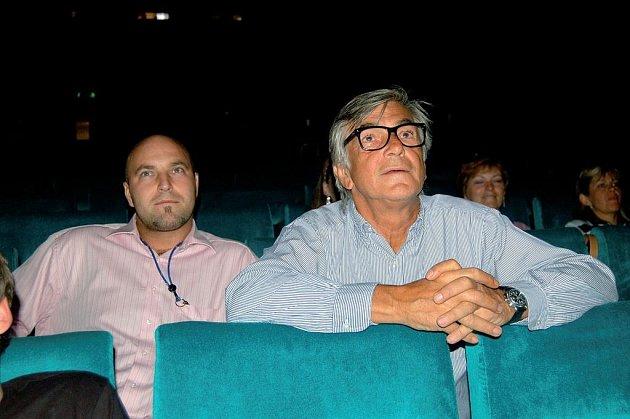 Jíři Bartoška v kině Čas.