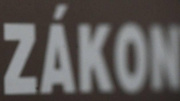 Ústavní soud v Brně dal zapravdu Františkovým Lázním, že jejich nařízení zakazující plošně po celém městě podobní prodej, je v souladu se zákonem.