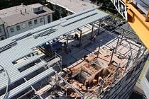 Stavební práce v karlovarské nemocnici.