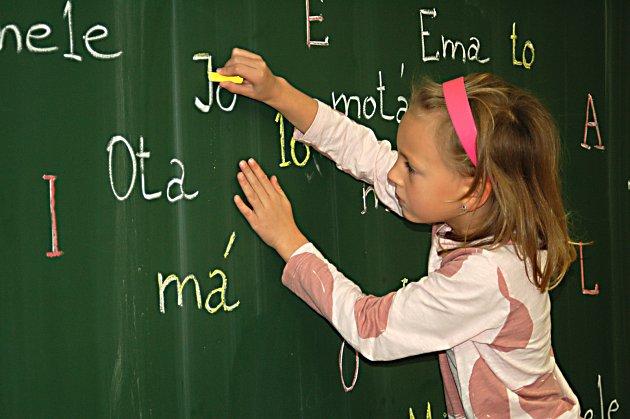 Základy psaní i počítání, to vše si děti při zápisu vyzkoušejí.