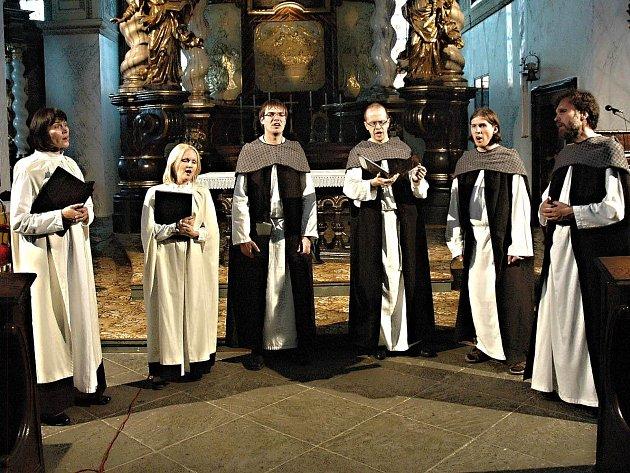 TATO NĚKOLIKATÝDENNÍ akce pravidelně lákala návštěvníky na koncerty až na šedesátku míst v Karlovarském a Ústeckém kraji a dokonce i do Saska a Bavorska.