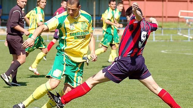 V krajském přeboru hostila karlovarská Lokomotiva lídra tabulky, juniorku sokolovského Baníku.
