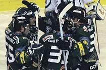 Hokejisté karlovarské Energie neponechali nic náhodě a po vítězství 4:2 nad Mladou Boleslaví si zajistili přímý postup do čtvrtfinále play off.