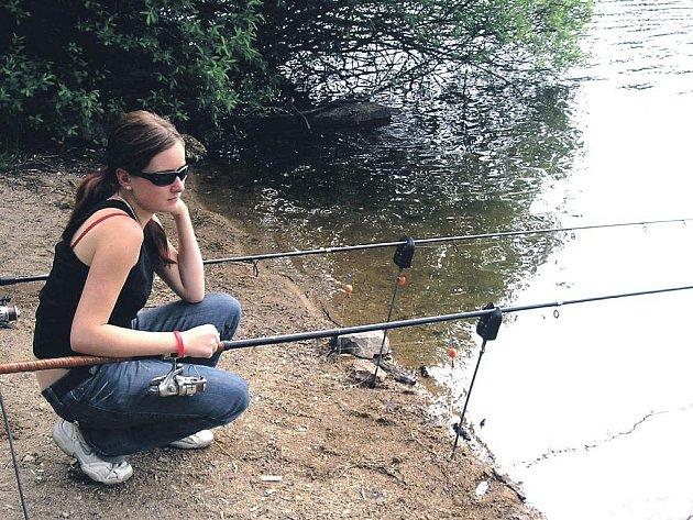 Rybaření patří k velmi oblíbeným zájmům mnoha lidí. (Ilustrační foto.)