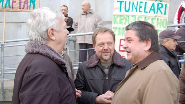 KRIZE. Dozorčí rada rezignovala. Předseda Petr Horký (vpravo) skončí na konci ledna, až bude zvolena nová.
