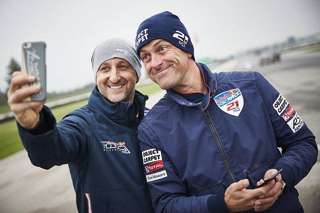 Karlovarský pilot Petr Kopfstein zTeam Spielberg skončil vcelkovém pořadí Red Bull Air race Masters Class na pátém místě.
