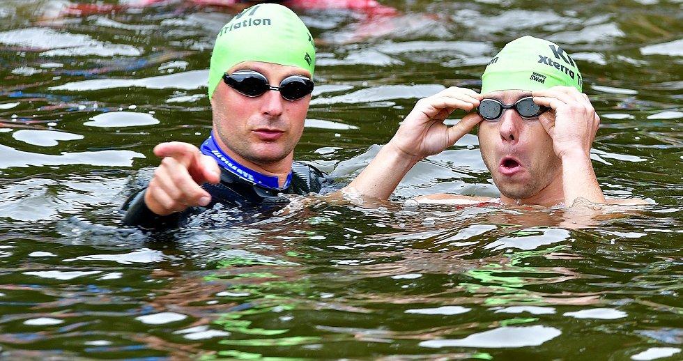Kiwi muže tradičně odstartuje plavání na karlovarském koupališti Rolava a závodníci budou muset zdolat vzdálenost 500 metrů, rozdělenou do dvou okruhů s výběhem z vody.