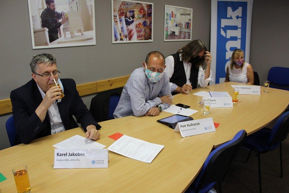 Předvolební debata s vybranými politiky Karlovarského kraje na statku Bernard.