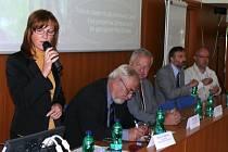 Setkání. Národní geopark Egeria získal dotaci z přeshraničního programu. Konference o jeho modernizaci se zúčastnilo třicet odborníků z Karlovarského a Plzeňského kraje a zástupci německé strany.