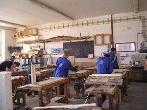 Na škole probíhá výuka žáků s různým zaměřením pro stavebnictví.
