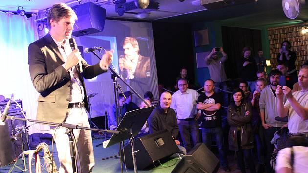 Muzikanti se vložili do předvolebního boje