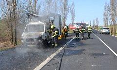 Dodávka zdevastovaná požárem. Foto: Archiv/HZSKVK