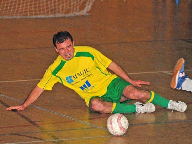 O TOM, že futsal bolí, se na vlastní kůži přesvědčil i Jiří Filip z OVB Fan Clubu v zápase s Titanikem Chodov.