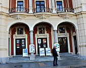 Karlovarské městské divadlo je po částečné rekonstrukci zase o něco hezčí.