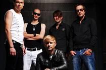 Oblíbená kytarová kapela Support Lesbiens vyráží na turné v rámci podpory svého nového alba Lick It. Jednou ze zastávek turné bude také nejdecký kulturní dům.