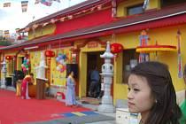 """V """"plecharéně"""" našli své útočiště buddhisté"""