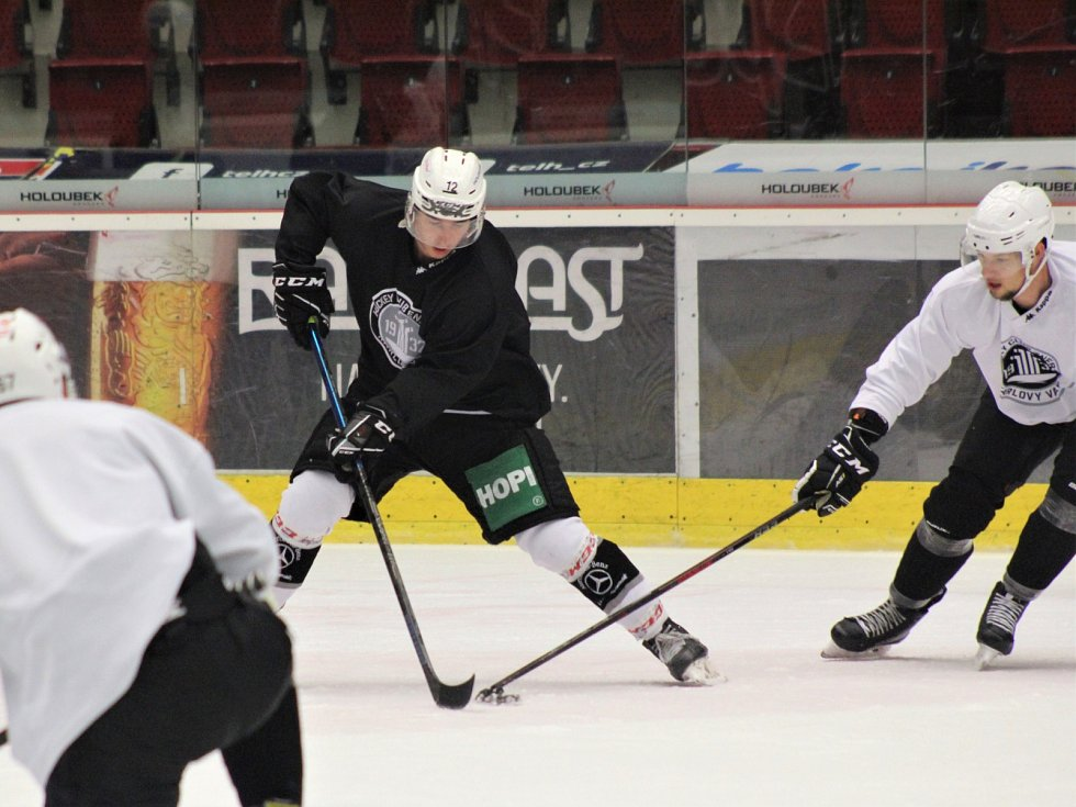 Hokejisté Energie vyjeli na led, k poslední části přípravy